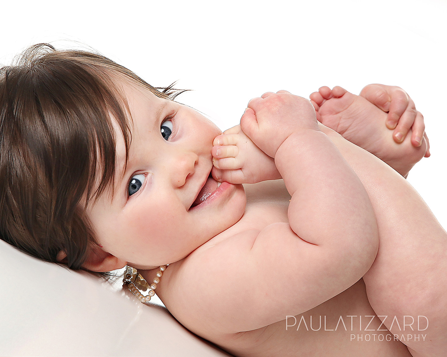 baby-toes-child-photographer-london-ontario-paula-tizzard