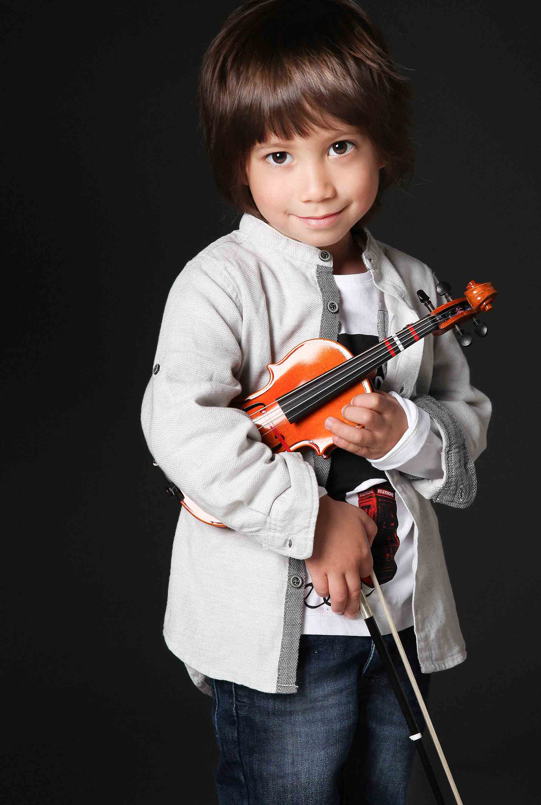 child-photographers-london-ontario-family-portraits-kids-headshots-actor-musician