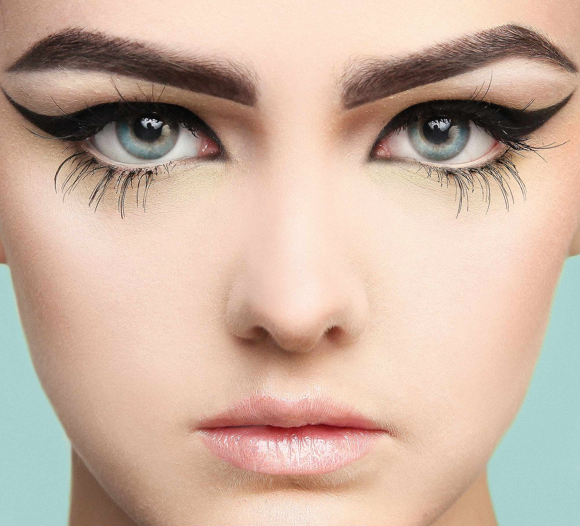 fashion-photography-london-ontario-makeup-florencia-taylor-opus-salon-mirror-awards-contessa-paula-tizzard-face-eyelashes-perfect-brow