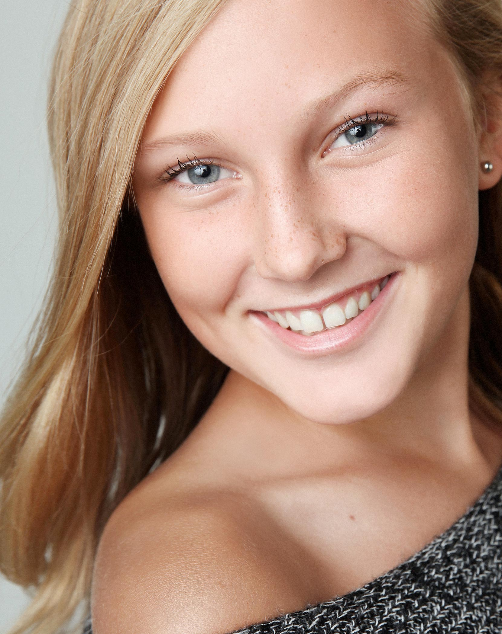headshot-photographers-london-ontario-dancer-actor-child-studio-talent-kids