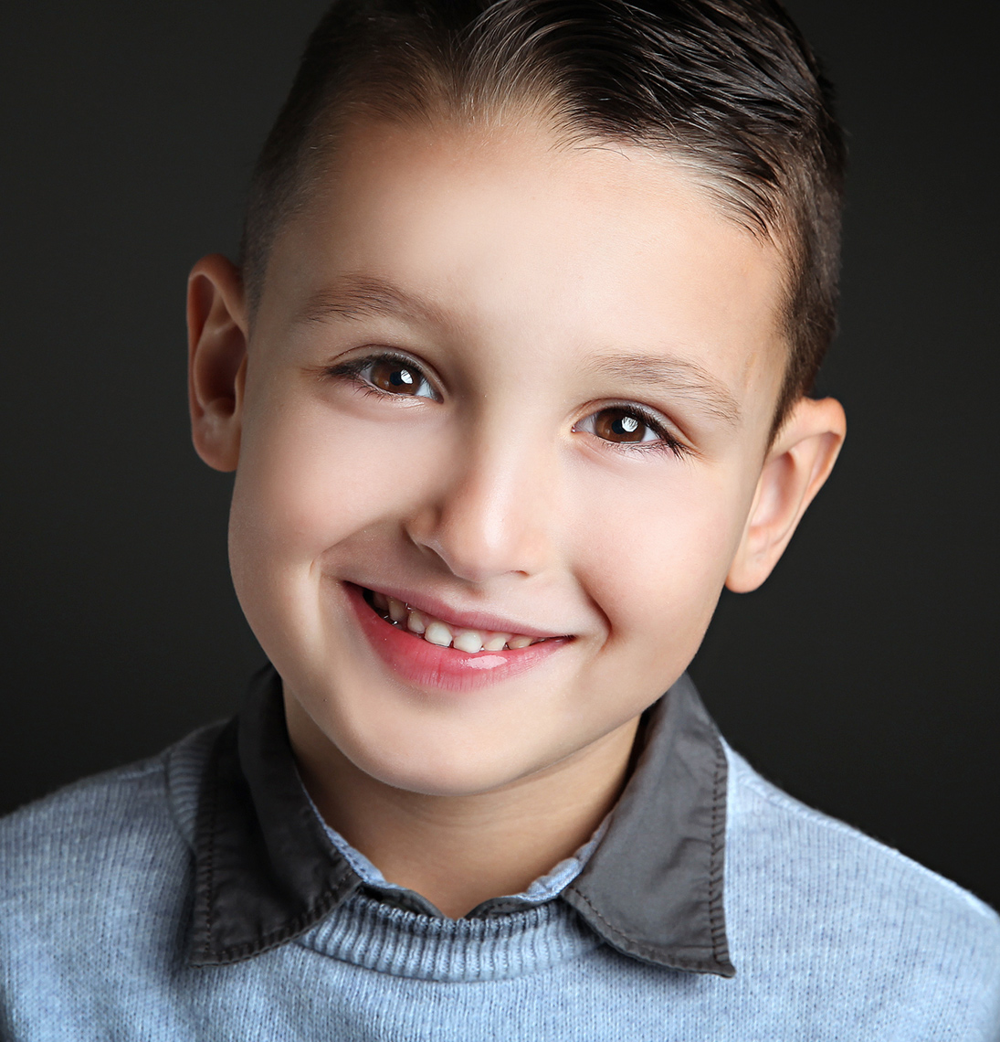 headshot-photographers-london-ontario-paula-tizzard-studio-business-kids-actor-professional