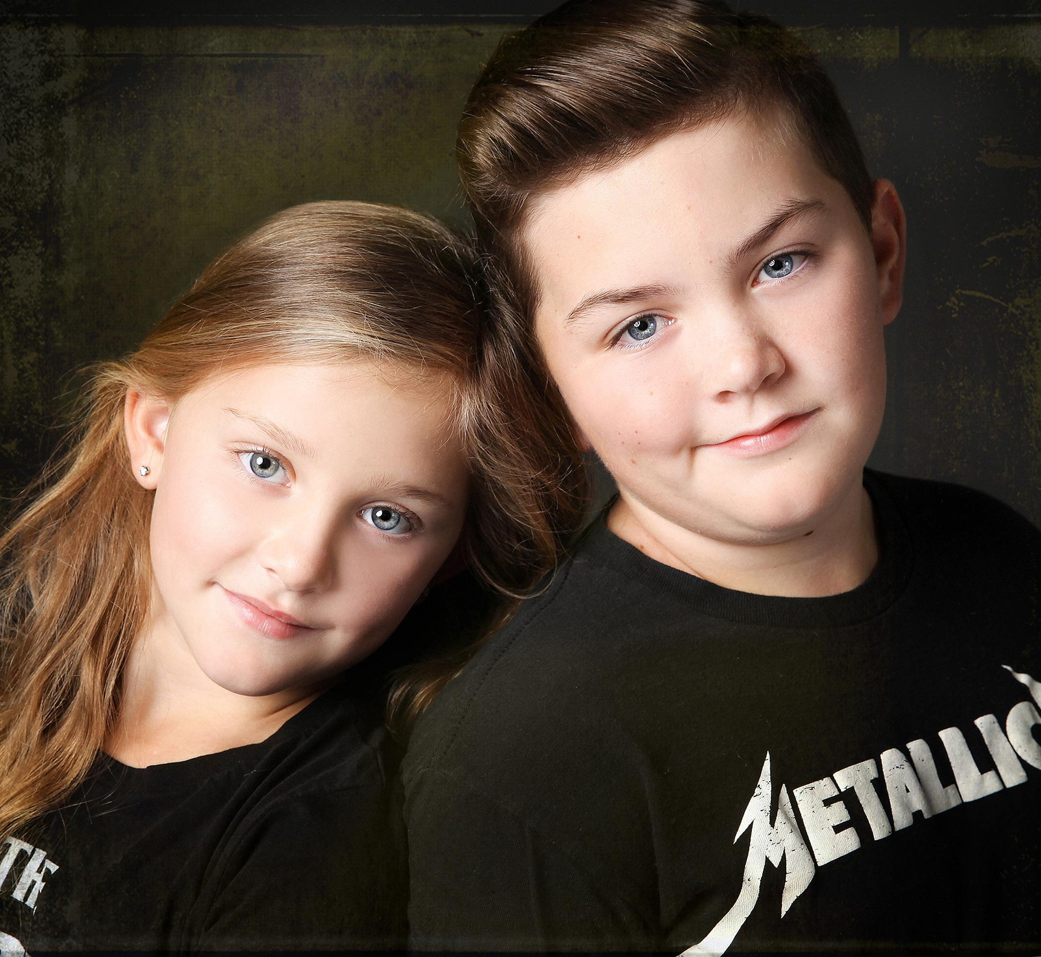 kids-child-family-portraits-london-ontario-paula-tizzard-siblings-studio-copy