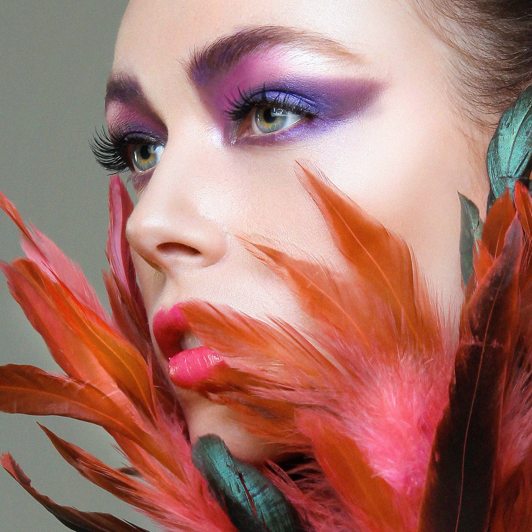london-toronto-fashion-beauty_feathers-fashion-makeup-photo-shoot-competition-contessa-naha-tazlondon-paula-tizzard